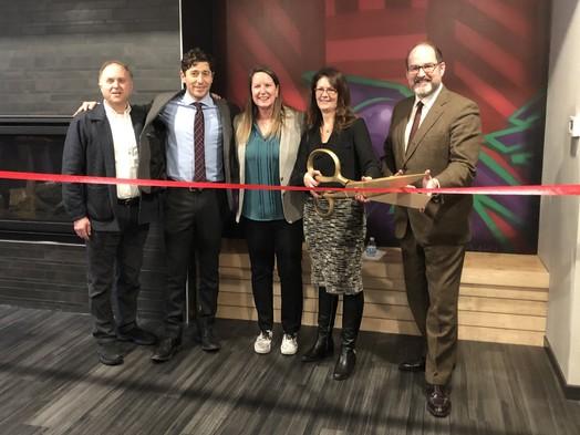 City Leaders cut ribbon