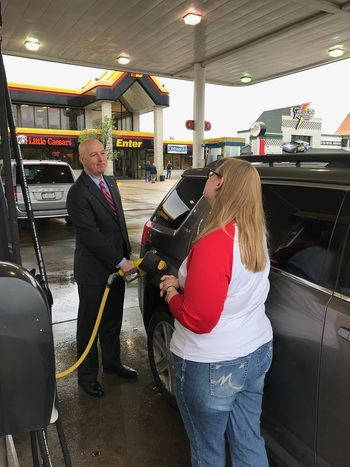 Governor Ricketts Pumping Fuel