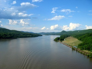 Hudson River from Bear Mountain Bridge. Photo by Rolf Muller