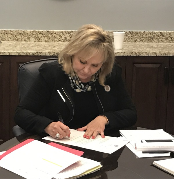11-17-17 Gov. Fallin Vetoes Budget Bill