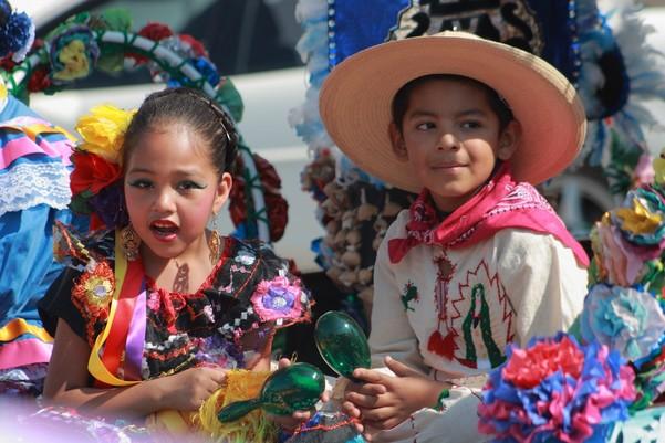 Dancers preparing for the Fiestas de Las Americas, 2008