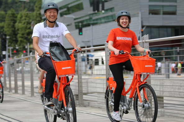 BIKETOWN riders on opening day