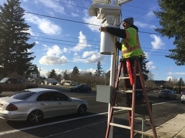Safety cameras being installed SE 122nd Ave.