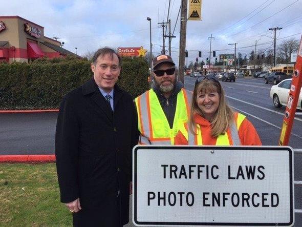 Saltzman and PBOT sign crew