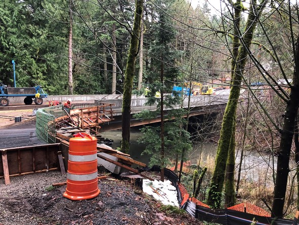 The SE 122nd Avenue bridge under construction over Johnson Creek. Photo by the Portland Bureau of Transportation.