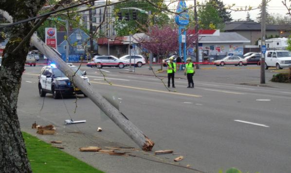 A single-driver crash that occurred at 6:50 p.m. on April 25, 2019 at NE 103rd Avenue and Glisan Street