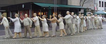 Queue sculpture