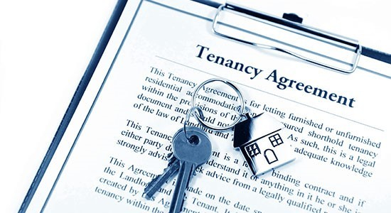 Tenancy agreement with house keys