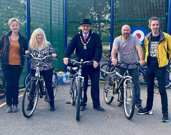 The Mayor of Broxtowe with other people on their bikes