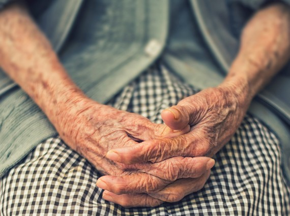 elderly person coronavirus