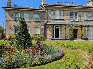 Feltham Lodge