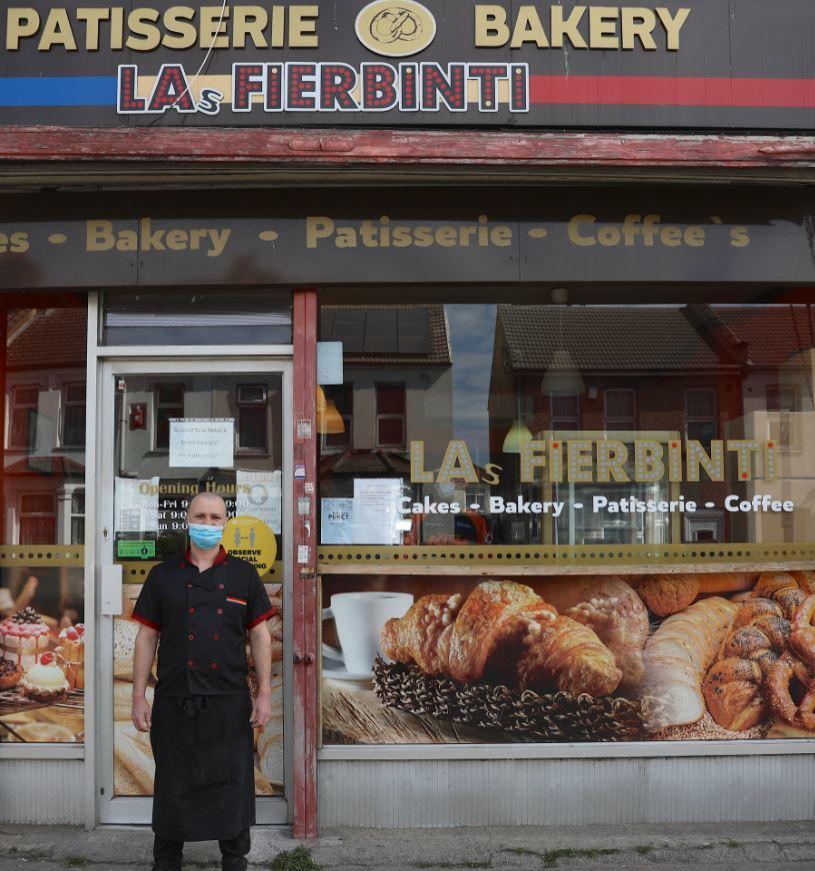 Las Fierbinti Patisserie and Bakery in Hounslow