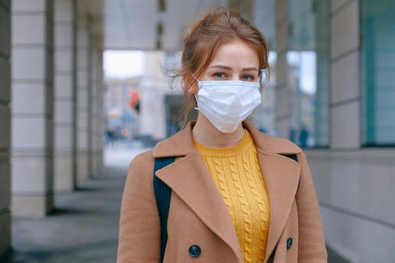 woman wearing facemask