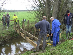 Levelling the new bridge