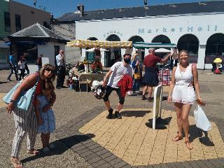 budding entrepreneurs make site visit to market