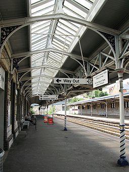 Teignmouth railway station platform 1