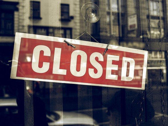 Shop window closed sign