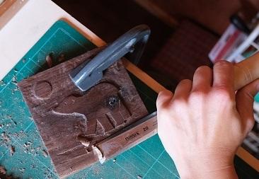 Blackhorse Workshop polar bear carving