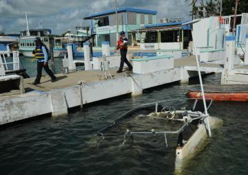 Hurricane Maria response team assesses damaged vessels, environmental concerns in Isleta Marina, Puerto Rico