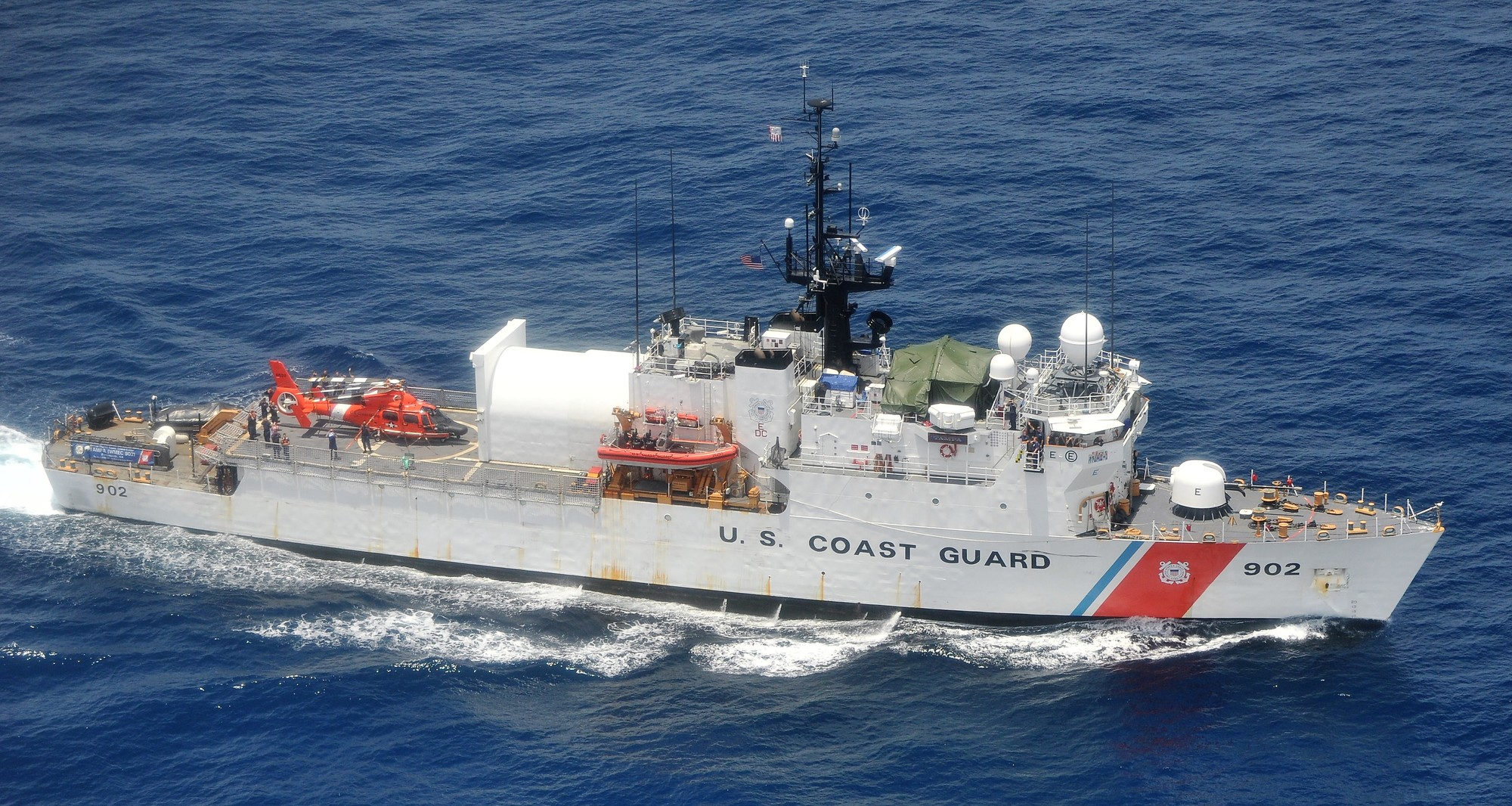 Coast Guard offloads 29,000 pounds of cocaine at Base Miami Beach