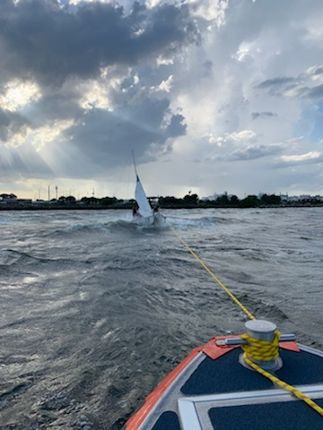 Coast Guard assist capsized USFSP sail students in St. Petersburg, Florida