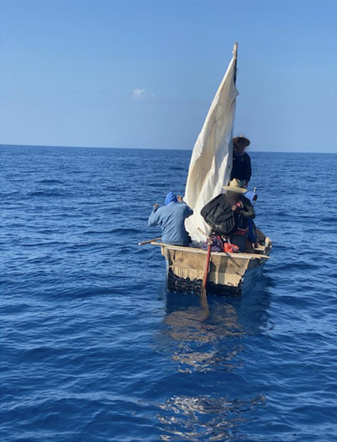 Coast Guardrepatriates8 people after interdiction off the Florida Keys