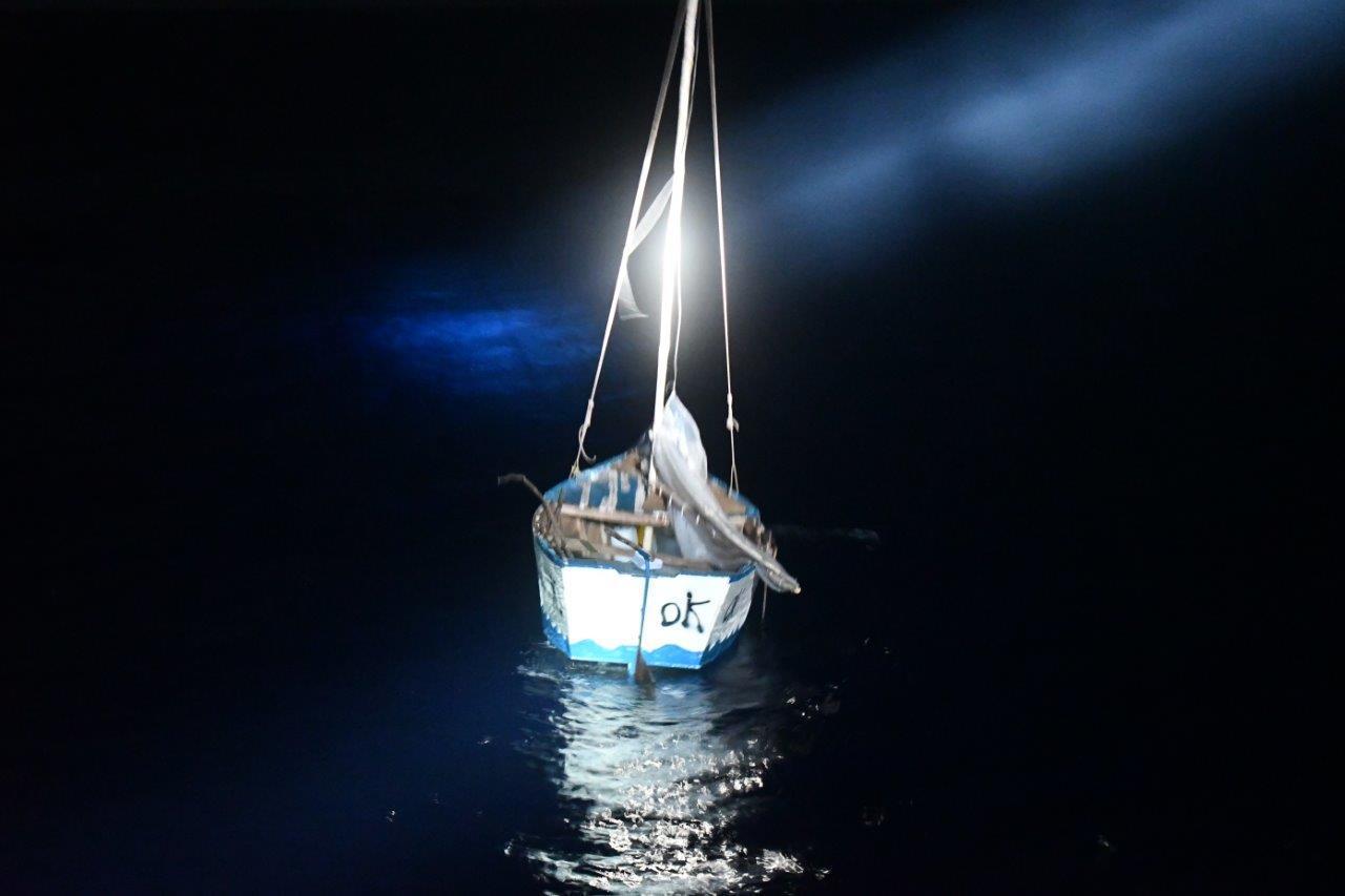 14 migrants