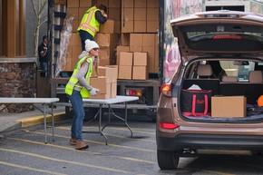 loading box truck