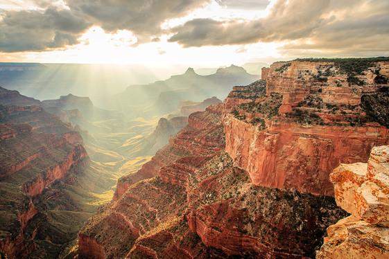 grand canyon through the sun rays