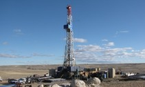 oil and gas drilling rig wyoming blm_photo