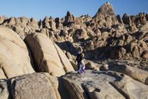 Alabama Hills hikers. Photo by BLM.