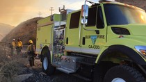 BLM fire engine and firefighters. Photo by Paul Gibbs, BLM.