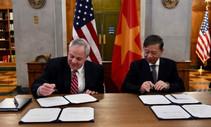 Sec Bernhardt signs MOU with Vietnam to address wildlife trafficking. Photo by DOI.