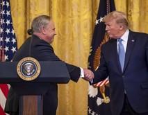 Secretary Bernhardt shaking President Trumps's hand