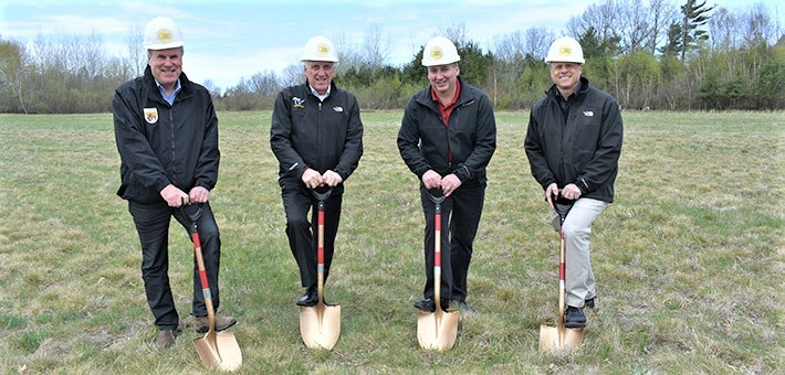 FWS Midwest Region Acting RD and Partners at Groundbreaking