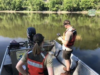 FWS pathways student operates underwater robot
