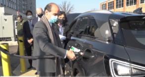 Deputy Energy Secretary fueling hydrogen vehicle