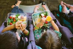 Preschool kids eating lunch