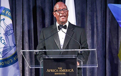 Austin Demby, Deputy Director of HRSA's Office of Global Health, received the 2018 Distinguished Alumnus Award from the Africa-America Institute