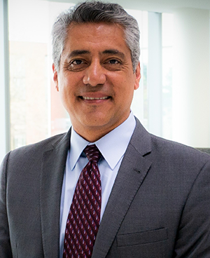 Dr. Luis Padilla