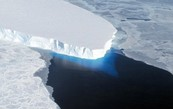 A large glacier of ice