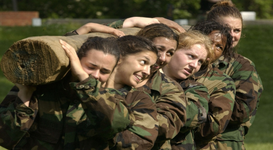 women in military uniforms