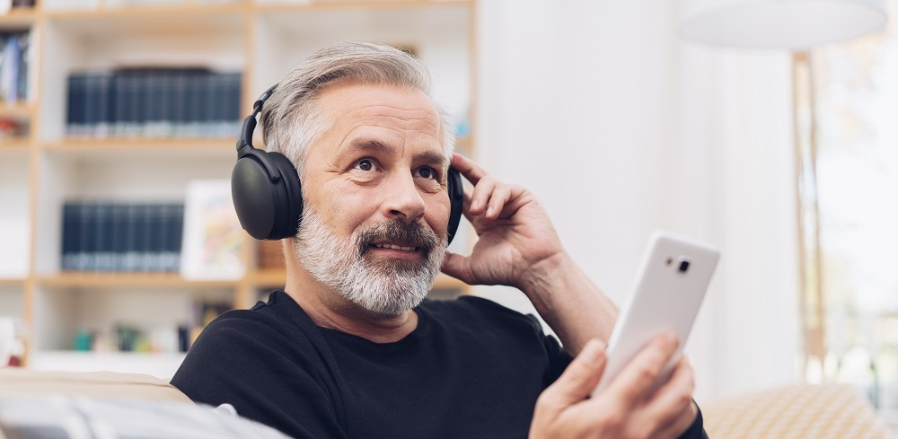 Veterans listening to the VFW Podcast