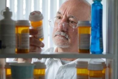 Veteran checking dates on prescriptions
