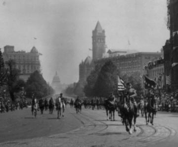 Pershing leads 1918 DC Parade