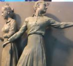 Sculpture women snip