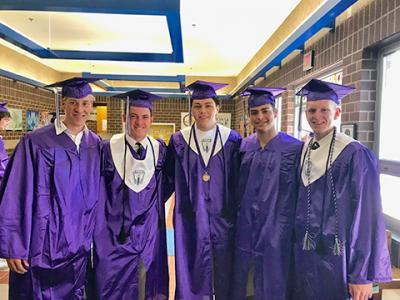 Chantilly graduates visit their old elementary school, Lees Corner