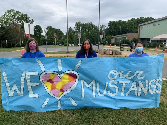We heart our Mustangs