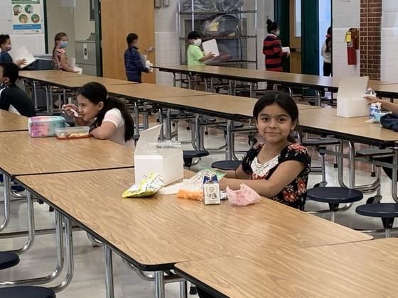 Photo of third grade lunch.