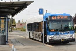 Route 109 Bus at Lake Stevens Transit Center